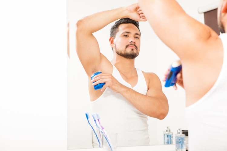 もう少し汗が気になる方は、ロールオンタイプの制汗剤を脇の下に塗ることをお勧めします