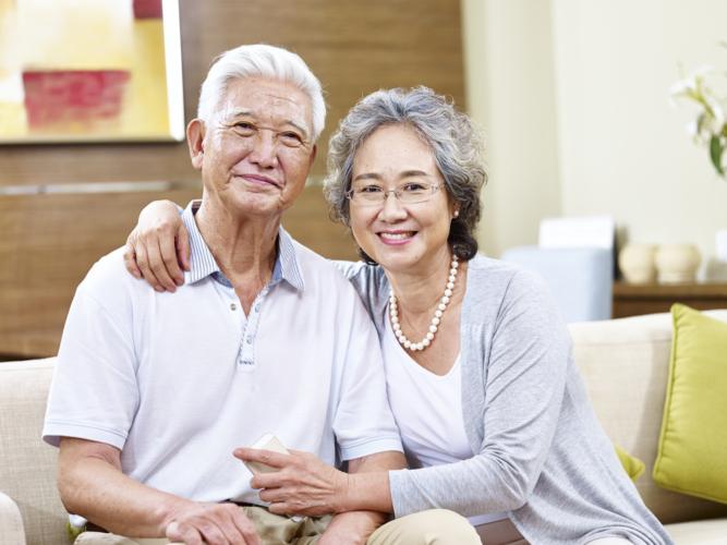 結婚には避けられない相手の親への挨拶。最低限のマナーを守って好印象を持たれる方法をご紹介します。