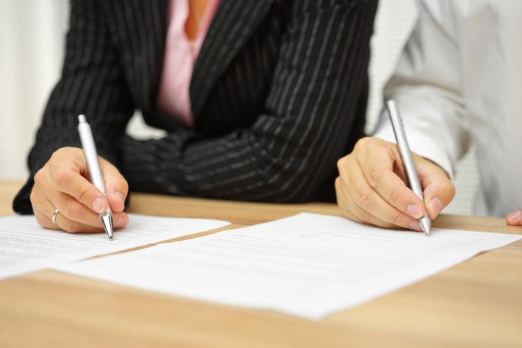 離婚に際しての実際の相場や、養育を決定する算定基準どのように決められているのでしょうか。