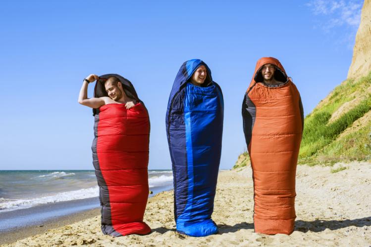 マミー型や封筒型など寝袋にもさまざまな種類があります