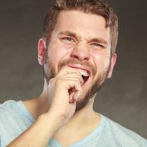、年齢を重ねれば重ねるほど歯を失うリスクが高くなります