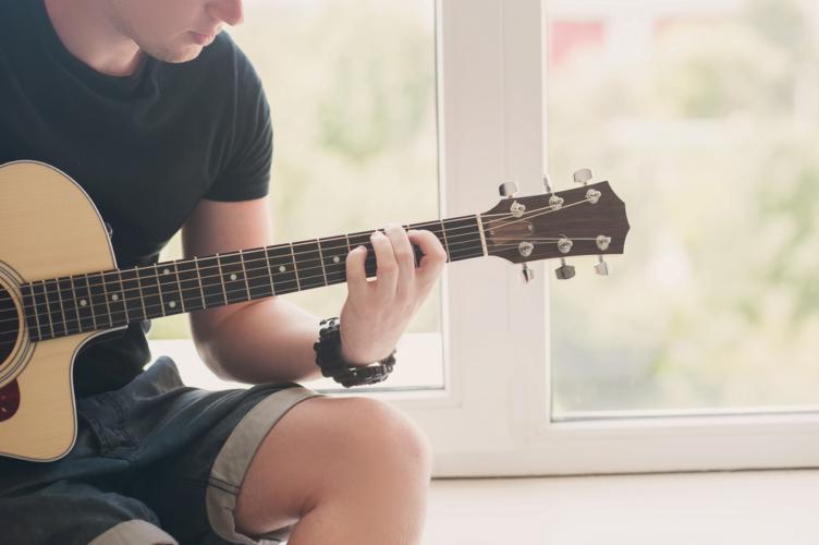 楽器はそれぞれスクールも開かれており、始めやすいです。