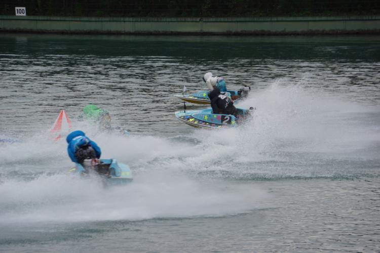 蒲郡競艇場で舟券を狙う場合はインコースとともに、スピードあるターンができる若手の選手を狙ってみるのがおすすめです。