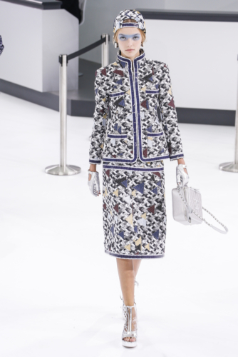ファッションで女性を解放したシャネル