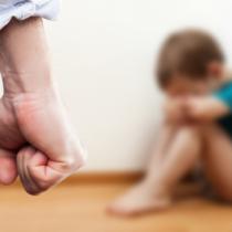子供に対する虐待のニュースが頻繁に報道されています。