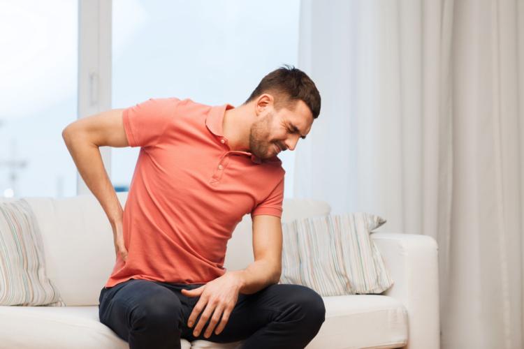 統計では、日本人の4人に1人が腰痛の症状に悩んでいるそうです。