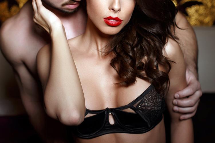 美人な女性は男性から欲情されることに快感を覚えます。