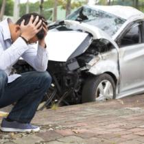 車を買い替えるときには、速やかに自動車保険の変更手続を行いましょう。