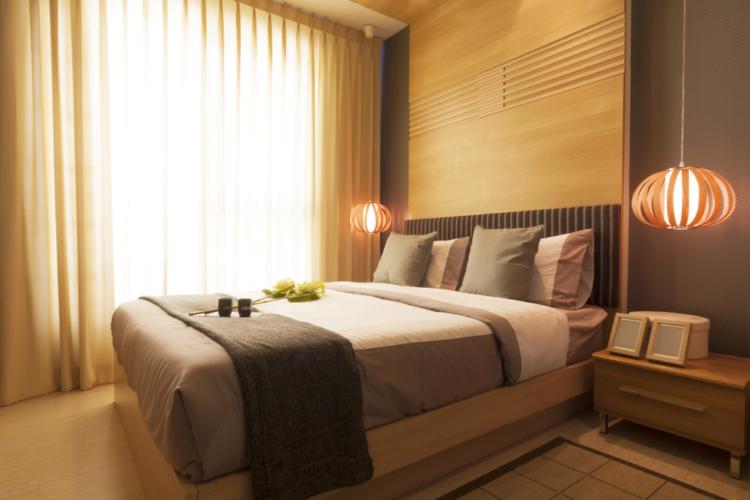ベッドに入るときには間接照明がお勧めです。