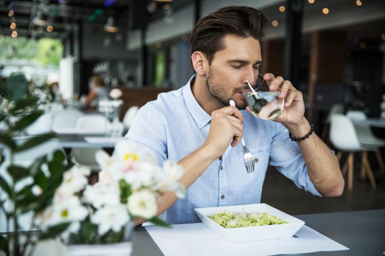 過食、小食の人は食べる回数を増やしてみよう