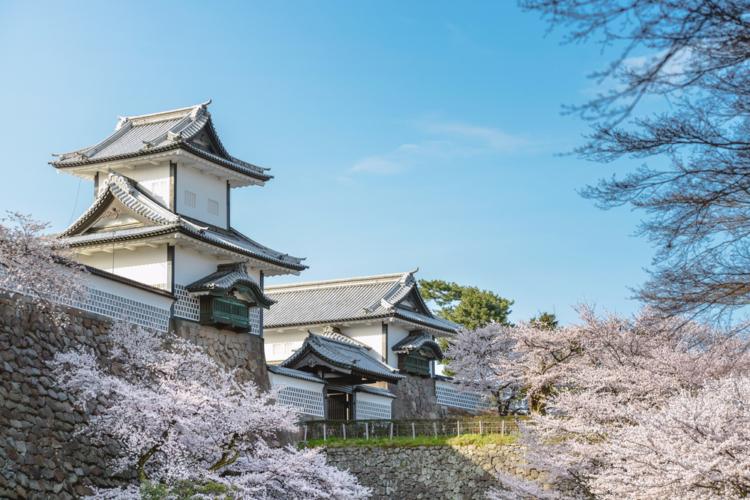 まず金沢と言えば、街の中心にある兼六園と金沢城公園です。