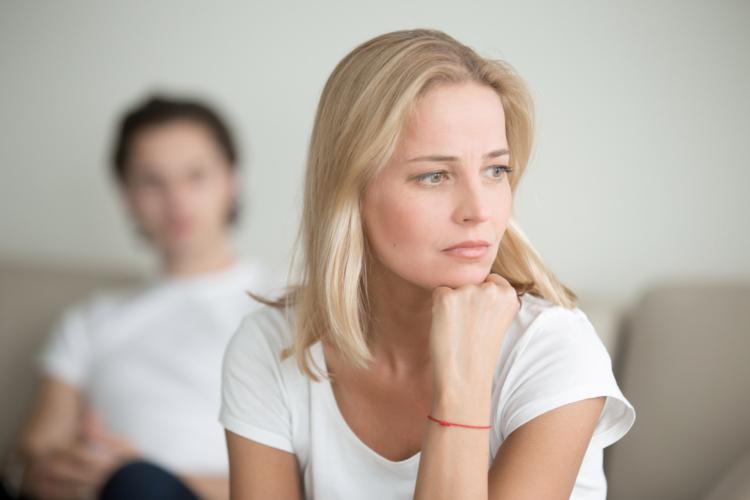 女性は男性よりも気分の波が激しい。