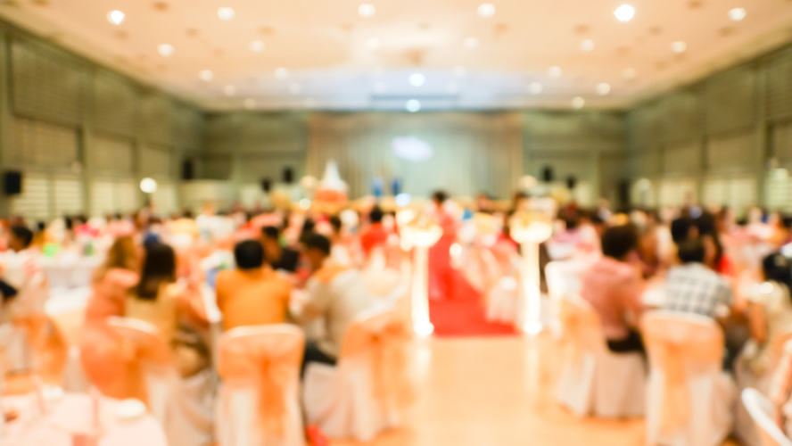 日本の結婚式は大変