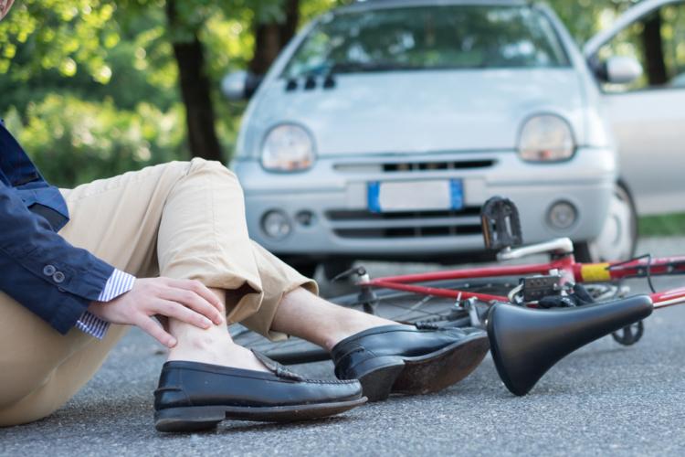 交通事故にあったときにまずやるべきこととは?