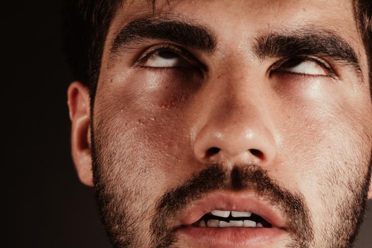 熱中症を放置してしまった場合、意識を失って倒れてしまうことがあります。