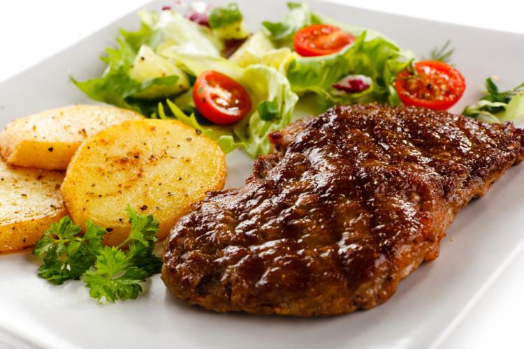 食事から摂取するタンパク質は基本的には「動物性タンパク質」だけをカウント。
