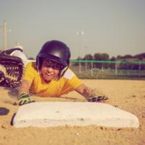 近所でも有名な野球少年だった。