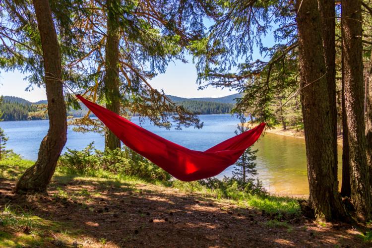 キャンプをより楽しむためにはハンモックがおすすめ