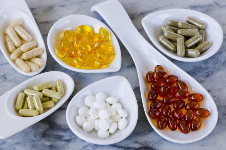 食事だけでは絶対足りないものが「マルチビタミン・ミネラル」です。