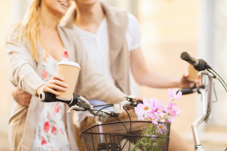 サイクリングデートは健康的で爽やかなデートを演出