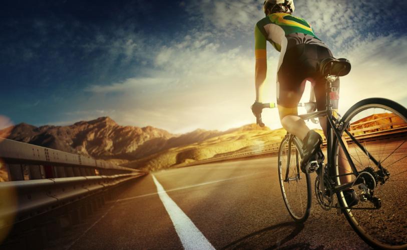 サイクリングを楽しむ上で注意するべきなのが事故です。