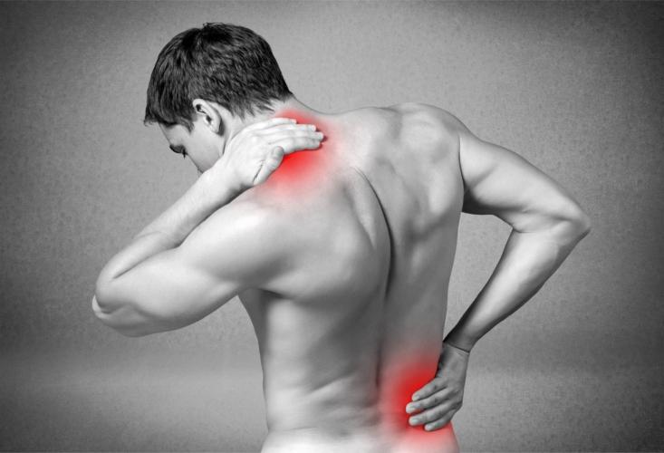 筋トレ後のケアを怠ると筋肉が固まる