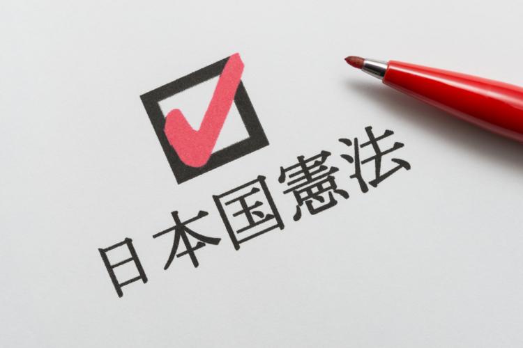 官庁や実力組織が特定の政党や候補者への応援活動を行うことは、法によって厳格に規制が敷かれている