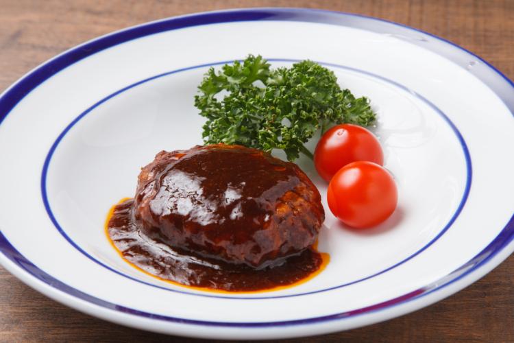 ハンバーグは手作りするのには面倒なものですのでインスタントに頼りがちな食品です。