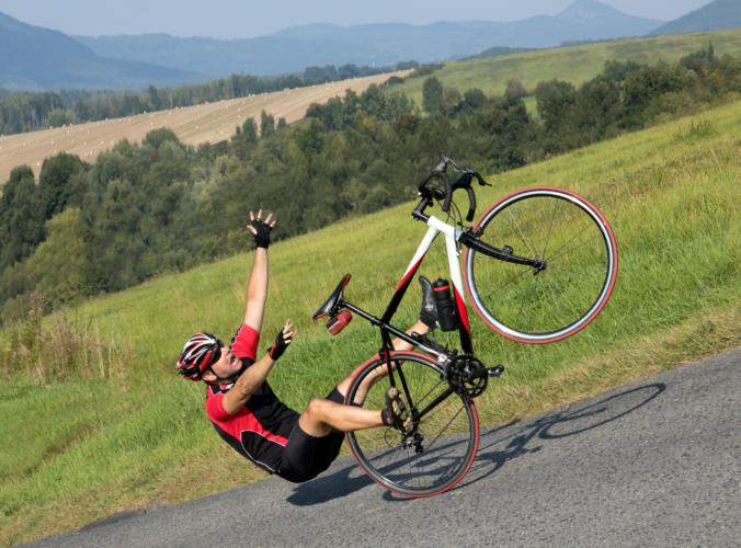 サイクリングを楽しむ上でスピードの出し過ぎは危険です。