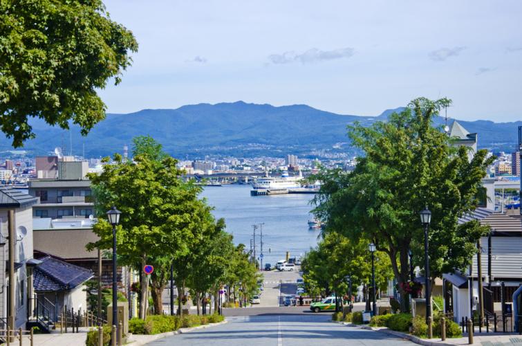 「函館」は北海道の南に位置する渡島半島にある観光都市です