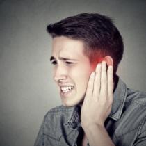 人によってはかなり頻繁に悩まされる原因不明の困った「耳鳴り」症状