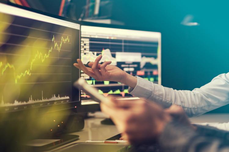 株式には板寄せ方式という売買成立方式があります