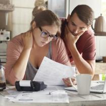 主婦の借金の理由は様々ですが、いずれも主な原因は「ストレス」と言われています