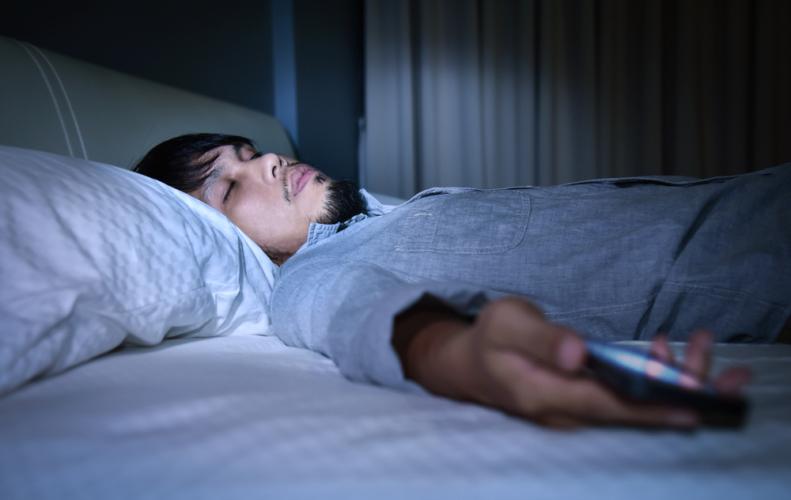 寝る前のスマホをやめる