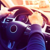 ハンドルポジションを見るだけで車に対する「苦手意識」「熟練不足」を計ることができます