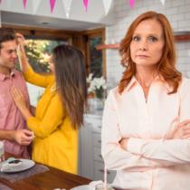 定番ではあるが深刻な嫁姑問題