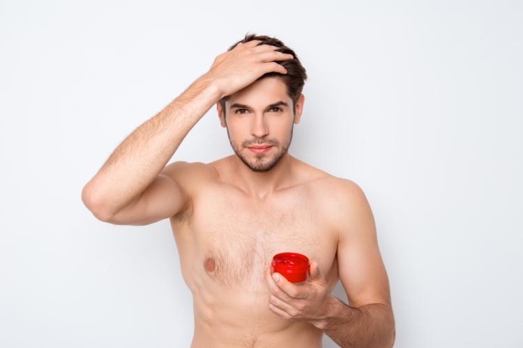 白髪を染めるつもりなら整髪剤を少な目にしておくか、整髪剤の使用を控えておきましょう