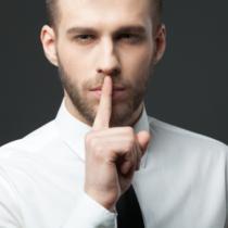 男の秘密を守るために妻の秘密を暴かない