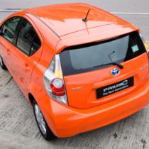先代トヨタ「プリウス」の大ヒット、そして2011年末に「アクア」が発売