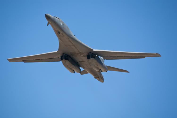 「B1-B」なる爆撃機とはどんなものなのか