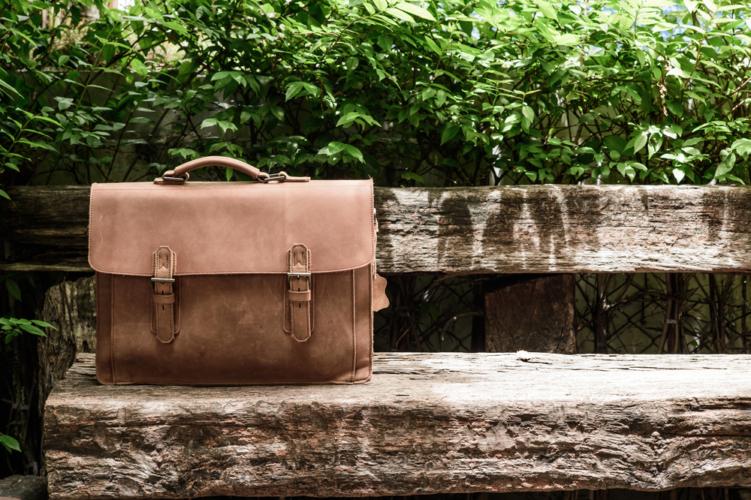 バッグの劣化に気づかない男性は多い