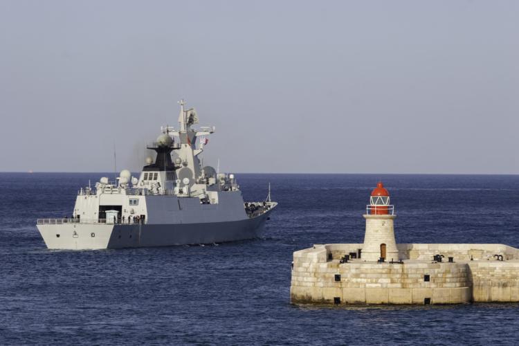 試行錯誤から方針を見出した中国海軍艦艇
