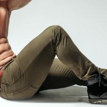 「捻り」を使って斜腹筋を鍛える