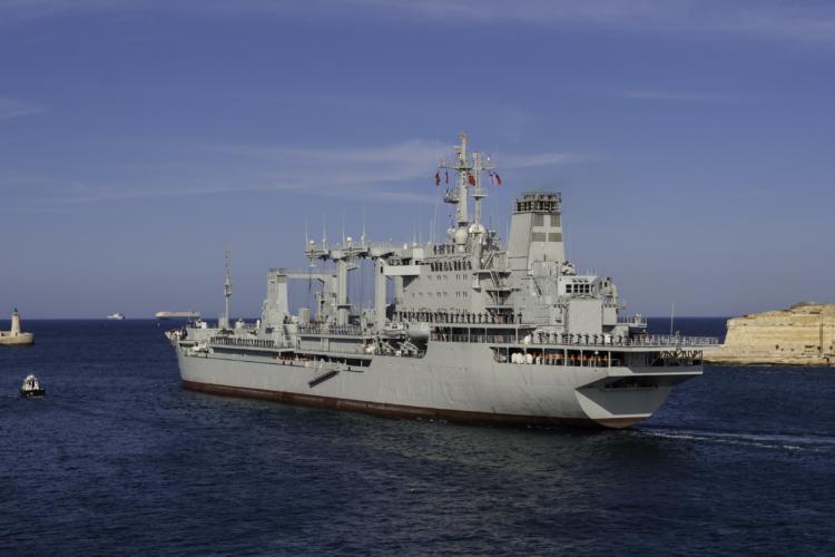 中国版イージス艦052型駆逐艦「旅洋」型