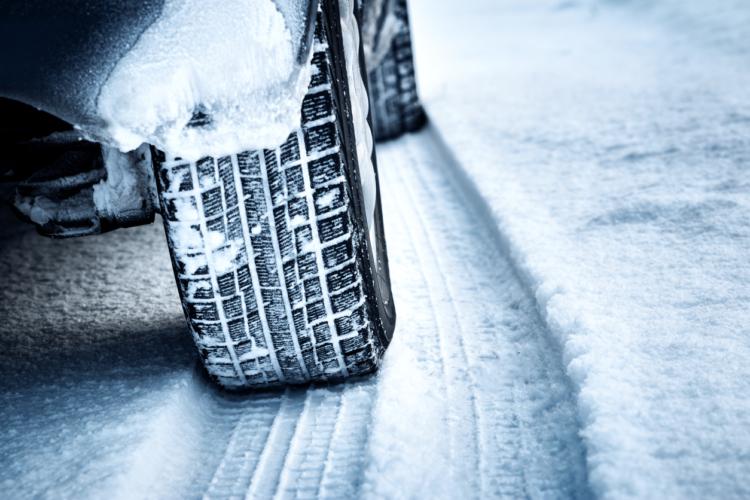 車でスキー場へ