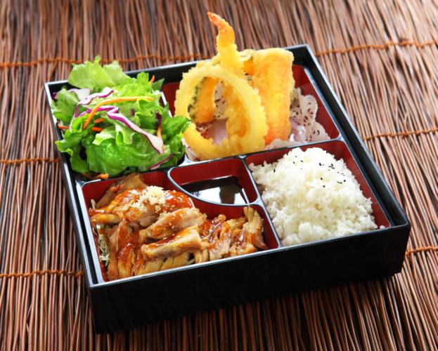 献立はごくシンプルな日本食