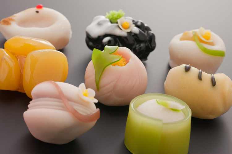 和菓子などは炭水化物が豊富で脂質が少ないので間食として上手く使っていきましょう。