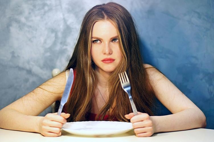 女性にとって空腹は性欲を減退させる要因となる