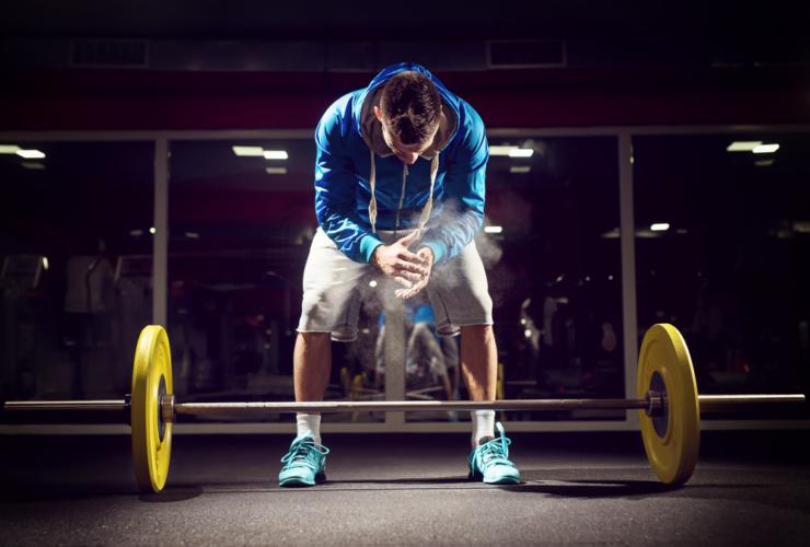 腰痛が完治したかな?と思ってもいきなり怪我前と同じ負荷でトレーニングしてはいけません。