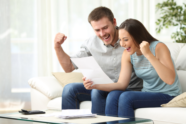 あなたは現在の根収入に満足していますか?